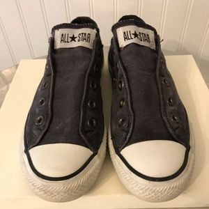 Converse Distressed Navy Laceless Sneakers